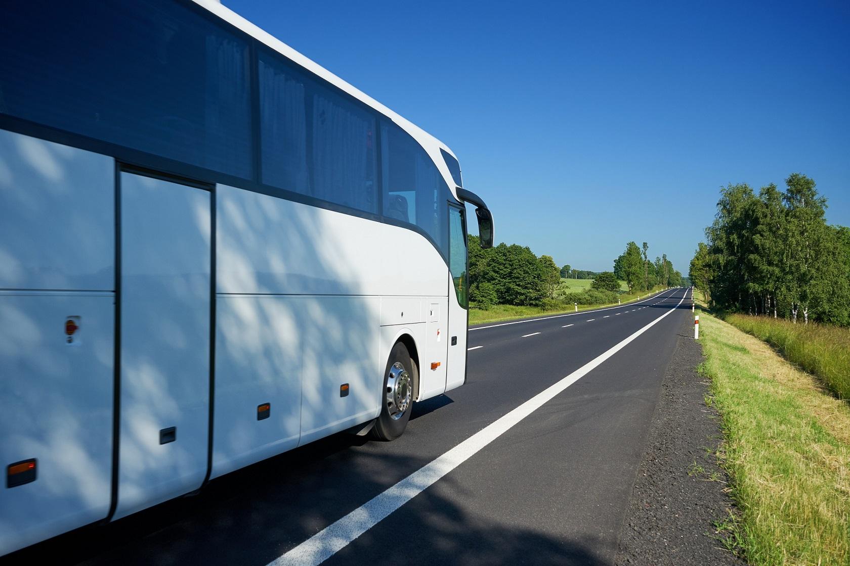 Monitoring autokarów gwarancją bezpiecznego powrotu z wakacji?