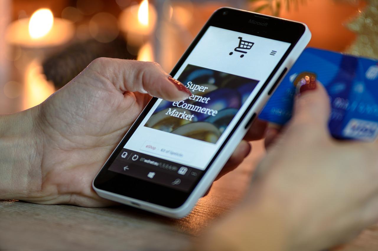Szał mikołajkowych e-zakupów