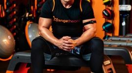 QCZAJ ukochał Orangetheory Fitness Sport, BIZNES - QCZAJ, uwielbiany przez setki tysięcy osób, najzabawniejszy motywator do walki o wymarzoną sylwetkę, rozpoczyna treningi w rytm swojego serca i zostaje ambasadorem marki fitness z USA.