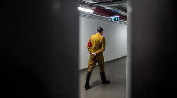 """W Galerii Katowickiej powstało """"teatralne zdjęcie sezonu"""" Teatr, LIFESTYLE - 15 grudnia odbyła się finałowa gala online prestiżowego ogólnopolskiego Konkursu Fotografii Teatralnej. Po raz pierwszy w jego historii, dwie nagrody główne zdobył jeden uczestnik - Przemysław Jendroska."""