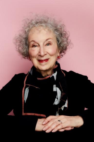 Margaret Atwood na jedynym w Polsce spotkaniu Książka, LIFESTYLE - 20 stycznia 2021 na profilach FB festiwalu Literacki Sopot oraz Goyki 3 Art Inkubator odbędzie się wyjątkowe spotkanie z Margaret Atwood, które poprowadzi Sylwia Chutnik.