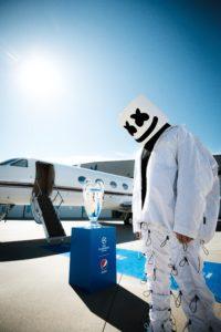 Marshmello, światowa supergwiazda muzyki elektronicznej i zdobywca licznych nagród, uświetni tegoroczną ceremonię otwarcia finału Ligi Mistrzów UEFA