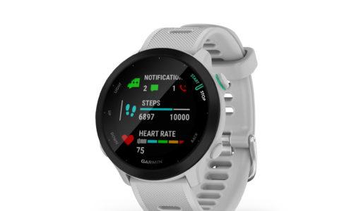 Garmin świętuje Światowy Dzień Biegania, przedstawiając łatwy w obsłudze smartwatch Forerunner 55.